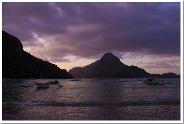 The Bay of El Nido at Sunset_1280_for_Web